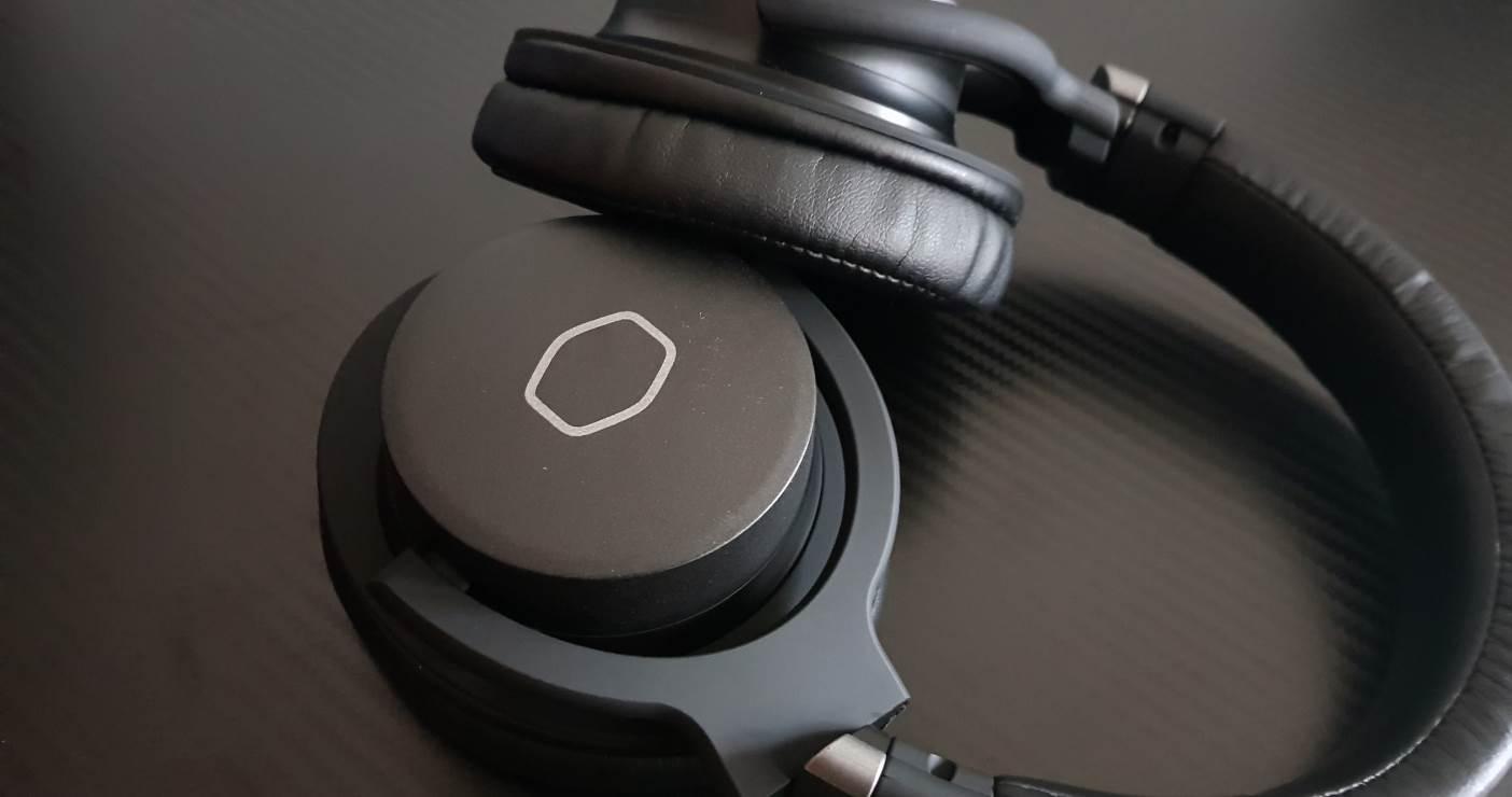 cooler master mh752 gaming headset im test hardware inside. Black Bedroom Furniture Sets. Home Design Ideas