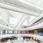 Signage-Revolution - Transparente LED-Farbfolie macht jedes Schaufenster zur Showbühne