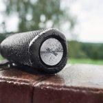 Wasserresistenter Speaker sorgt am Pool für Stereo-Sound und klangstarke Bässe