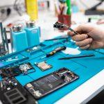 Darauf sollte man bei der Auswahl eines Handy-Reparaturdienstleisters achten